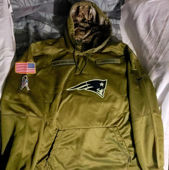 huge selection of 18349 c8afb New England Patriots Salute to Service hoodie . NWT